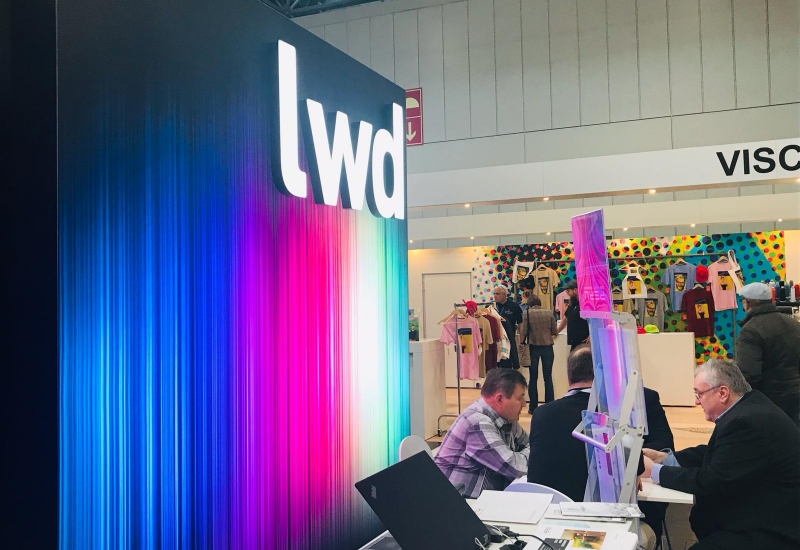 am LWD-Messestand